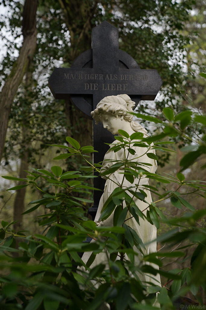 170402-marc-wiese-DSC02744-Friedhof-Kunst-Kultur-Potsdam.jpg