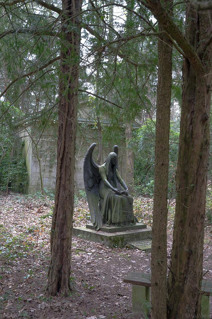 170402-marc-wiese-DSC02727-Friedhof-Kunst-Kultur-Potsdam.jpg